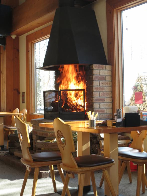 ロック 暖炉