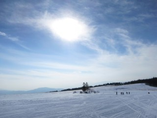 どこまでも続く雪原、霧ヶ峰スキー場に行ってきた