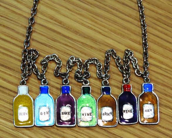 ネックレス「酒瓶」