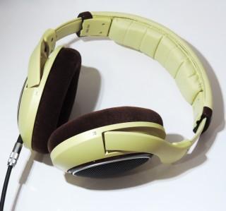 なんて素晴らしい!HD598の良好な装着感と音質がいい感じ!!(プリンだけどね)