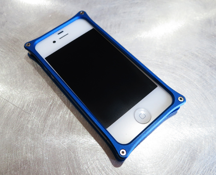 iPhone4s アルミバンパー改造前