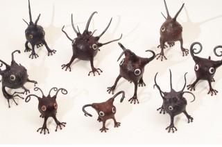 「えびる」樹脂粘土とアクリルと金属で作った謎の生き物
