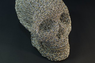 「iPSパーツ〜頭蓋骨」現在の医療技術と工業技術の対比を表現