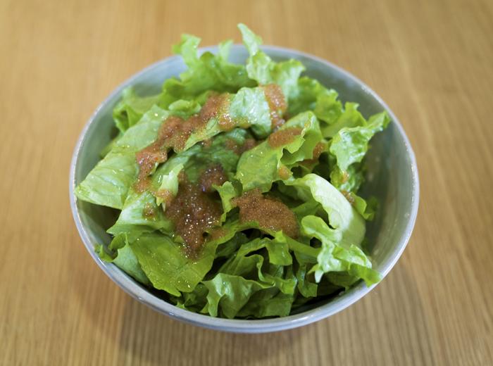 明太子ドレッシングのサラダ