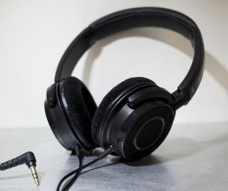 貴重な小型開放型ヘッドホン!YAMAHA HPH-200は高音質で気軽に使えるところが好きです