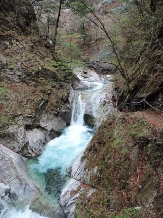 【山梨】西沢渓谷で春のハイキングを満喫(途中まで)