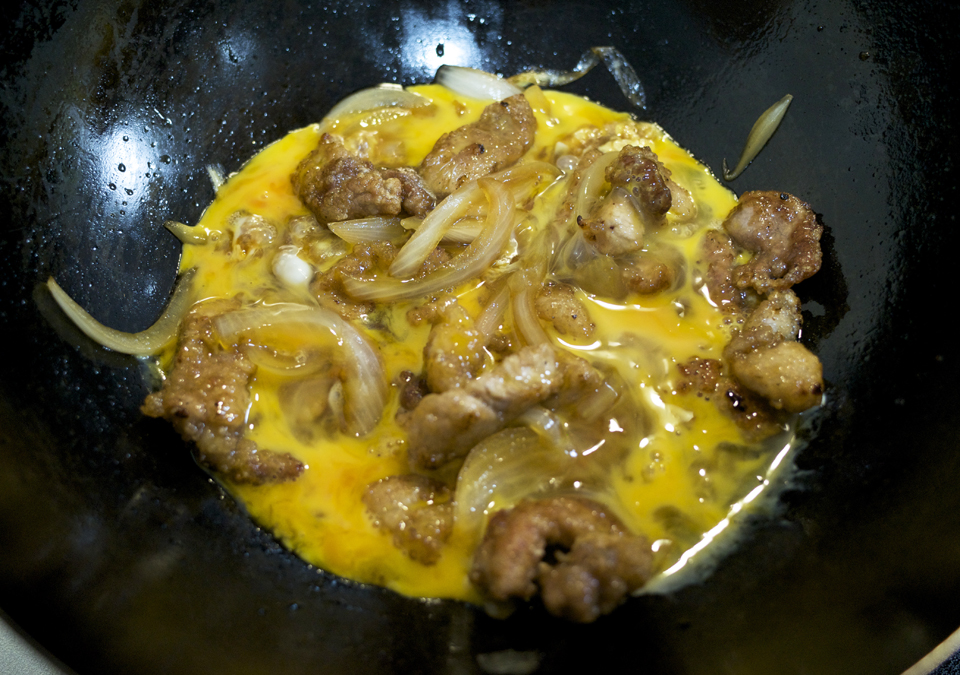 竜田揚げ風 豚肉の卵とじ丼 料理工程