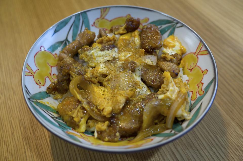 竜田揚げ風 豚肉の卵とじ丼