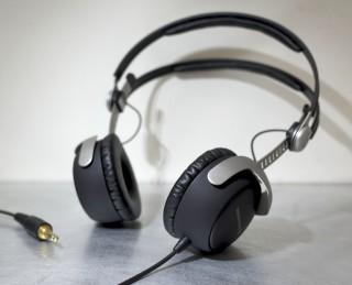 低音の質感に惚れた!DT1350はポータブルもモニターもこなせるヘッドホンだよ