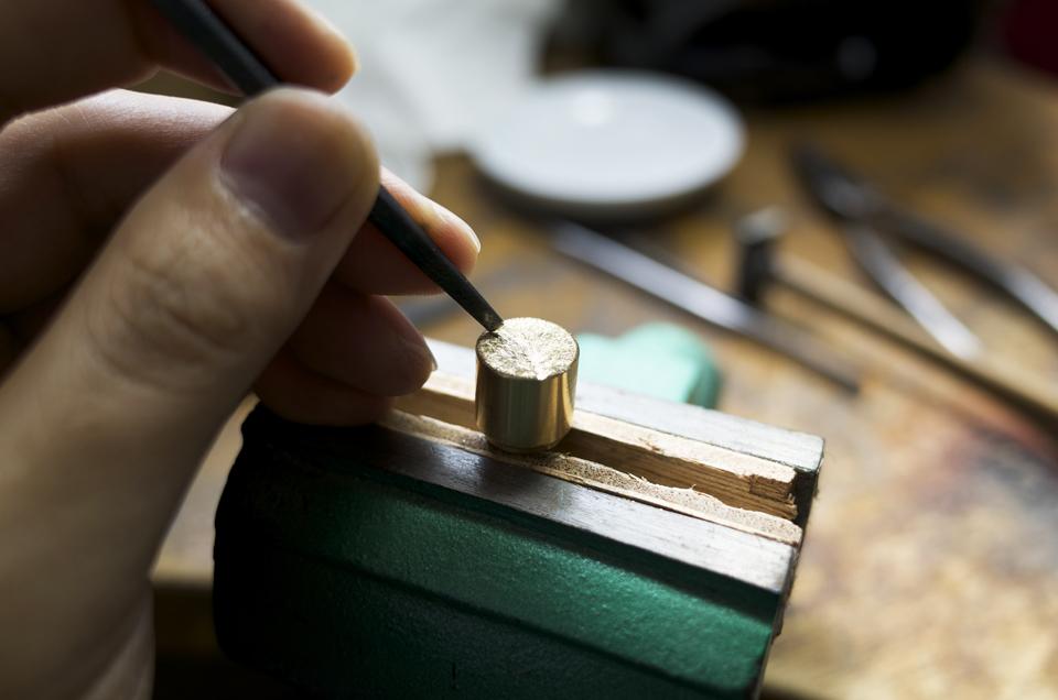 真鍮製ボリュームツマミの加工