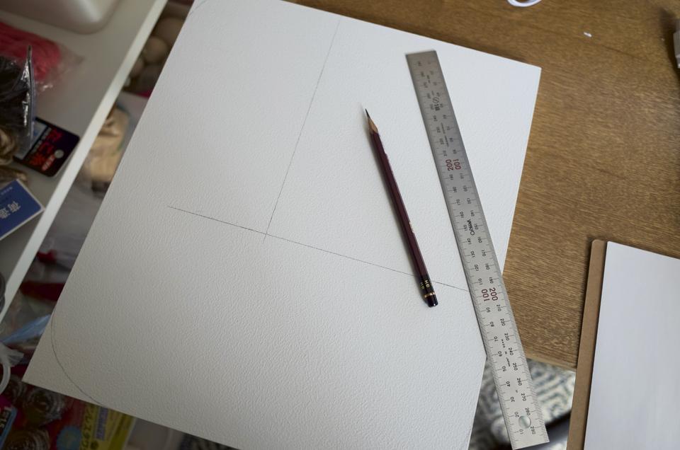板に鉛筆で線を書く
