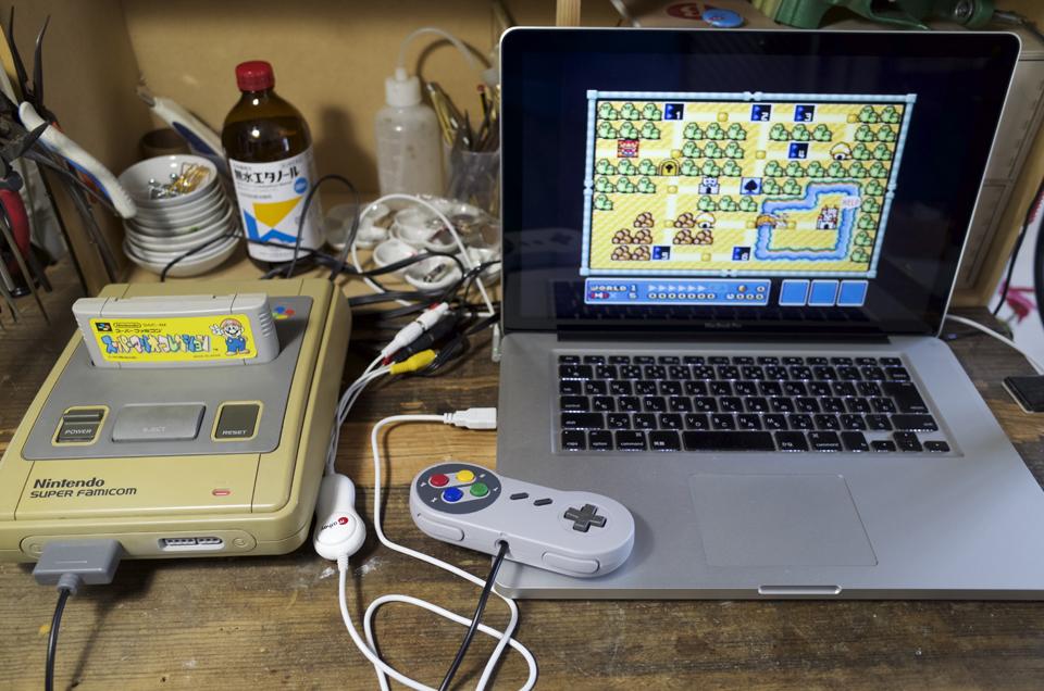 スーパーファミコンとmatheyビデオキャプチャーを使用して接続したMacBookPro