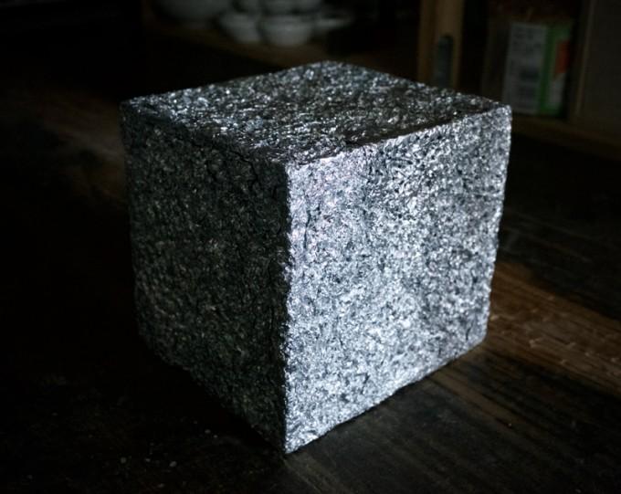 アルミホイルの立方体