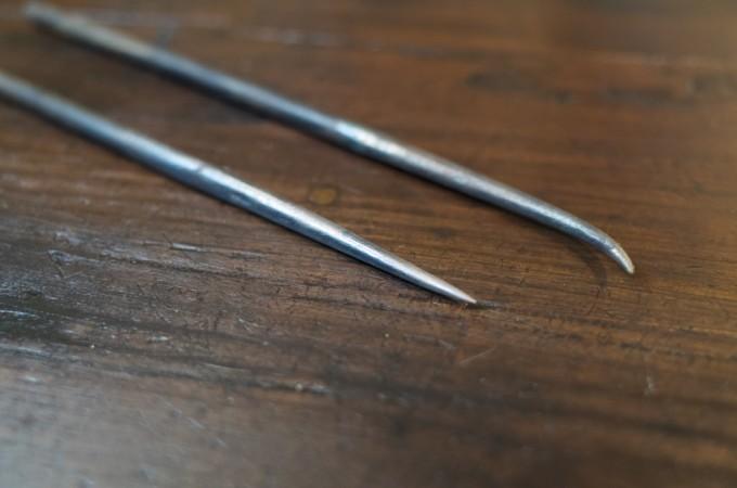 焼入れ済み 鉄製のとがった棒